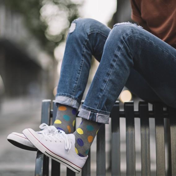 Circles pattern socks